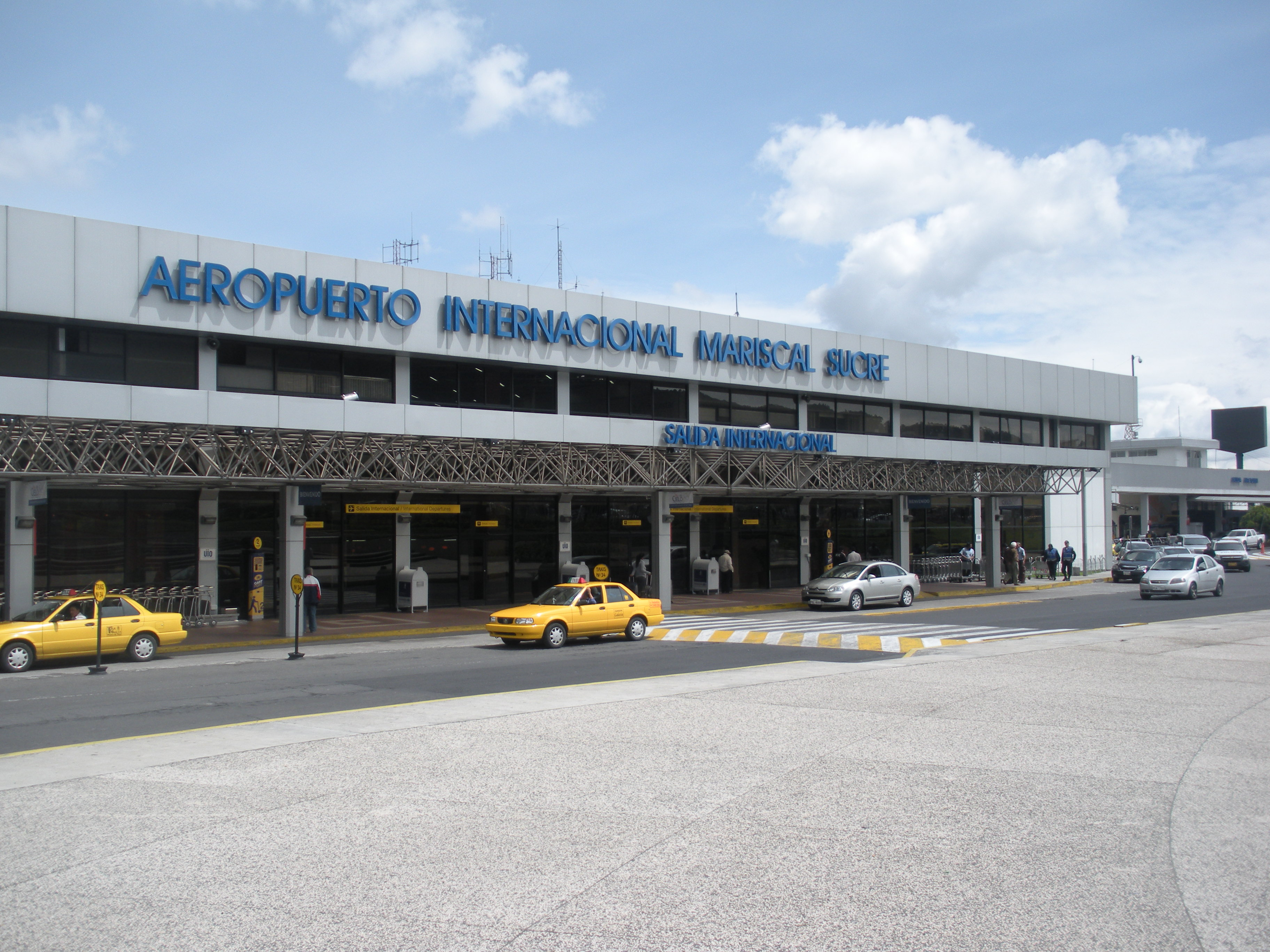 Aeroporto Quito : Once upon a time in quito budget adventure travel
