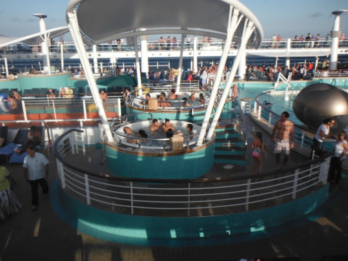 larkycanuck.com | Travel Adventures | Norwegian Cruise Line (NCL) | Deck Pool/Hot Tub