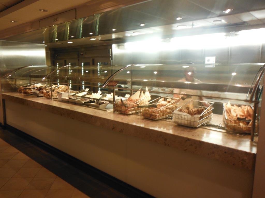 larkycanuck.com | Travel Adventures | Norwegian Cruise Line (NCL) | Dining Hall (Garden Cafe)