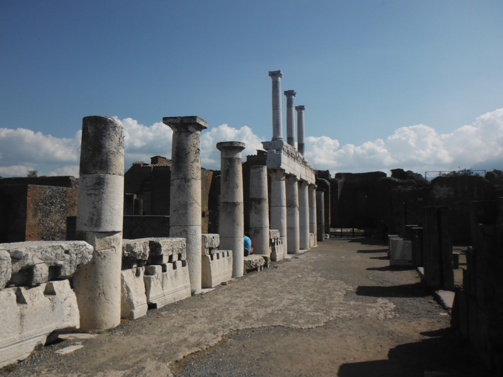 Greek architecture influenced Pompeii