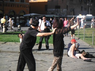 I wanna dance dance dance (in front of leaning tower of Pisa)